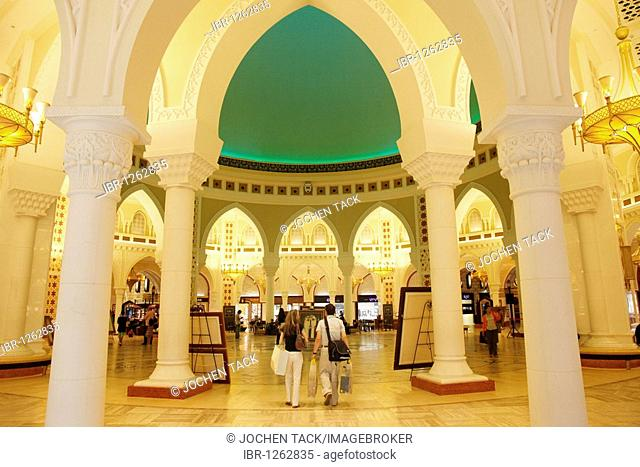 Gold Souk with over 200 gold and jewelry shops in the Dubai Mall, Dubai, United Arab Emirates, Middle East