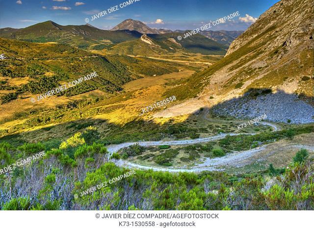 Señales Mountain Pass. Picos de Europa Regional Park. Maraña. Leon Province. Castilla y Leon. Spain