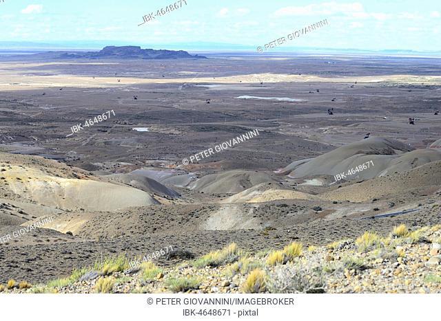 Crude oil production at Punto El Chulengo, Ruta 26, Comodoro Rivadavia, Chubut, Argentina