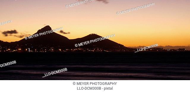 Silhouette view of lions head, Cape Town, Western Cape Province, South Africa
