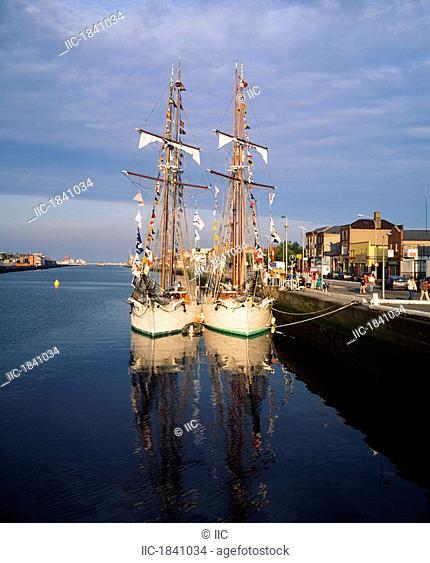 Dublin City, River Liffey, Tall Ships