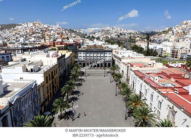View over Plaza Santa Ana square towards Casas Consistoriales, Town Hall, historic town centre of Las Palmas, Las Palmas de Gran Canaria, Gran Canaria