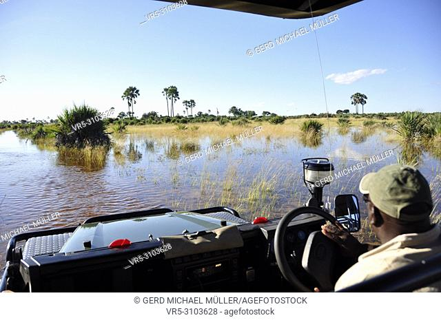 Adventure & Adrenalin pur: Okavango-Delta swamps crossing with a landrover, which faced the biggest floods since 46 years