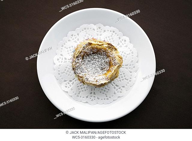 pastel de nata famous portuguese sweet snack egg custard pastry tart