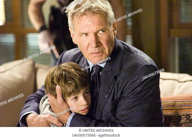 JIMMY BENNETT, HARRISON FORD (Andy and Jack Stanfield) Regie: Richard Loncraine / FIREWALL USA 2006