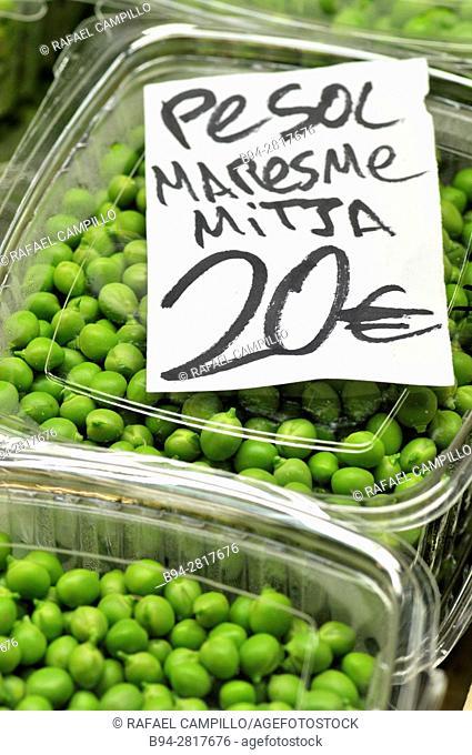 Maresme Peas. Sant Josep aka La Boqueria market, Barcelona, Catalonia, Spain