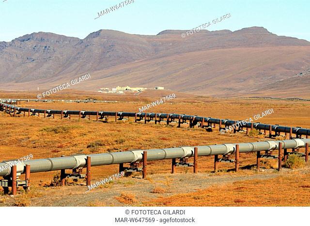 PETROLIO Veduta della Transalaska Pipeline che arriva alla Stazione 4. La Transalaska Pipeline è uno degli oleodotti più lunghi del mondo (800 miglia): parte da...