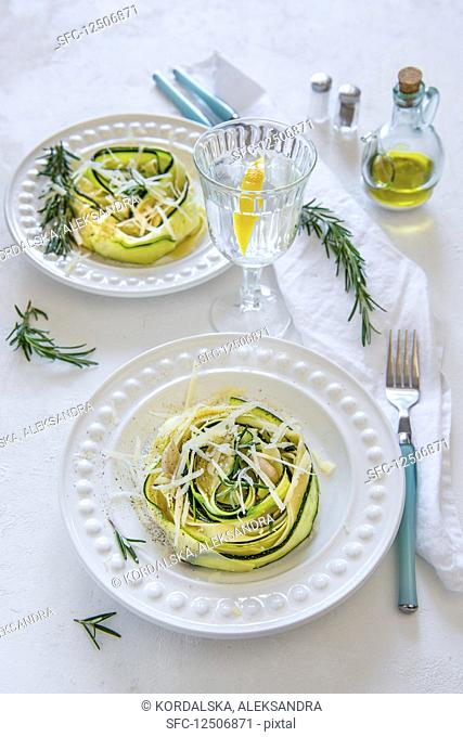 Tagliatelle with thin courgette slices, parmesan and rosemary