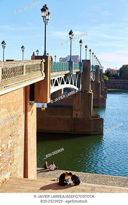 Pont Saint Pierre. Garonne river. Toulouse. Haute Garonne. France