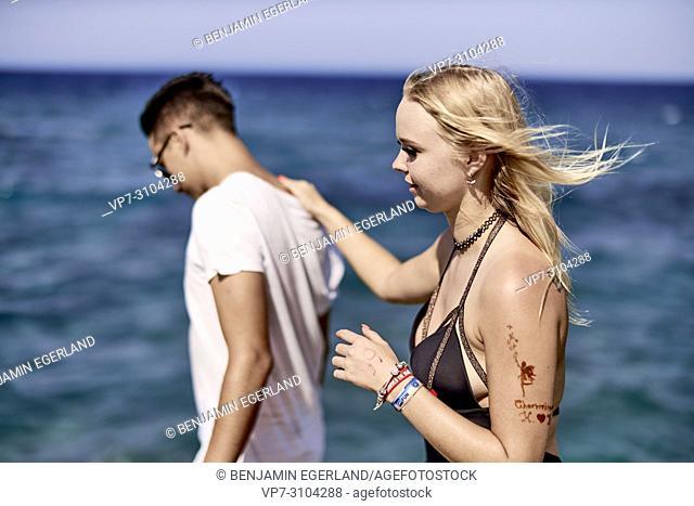 Greece, Crete, Chersonissos, couple next to sea