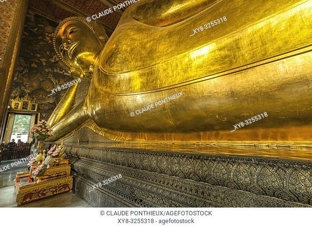 The Reclining Buddha. Wat Pho temple, Bangkok, Thailand
