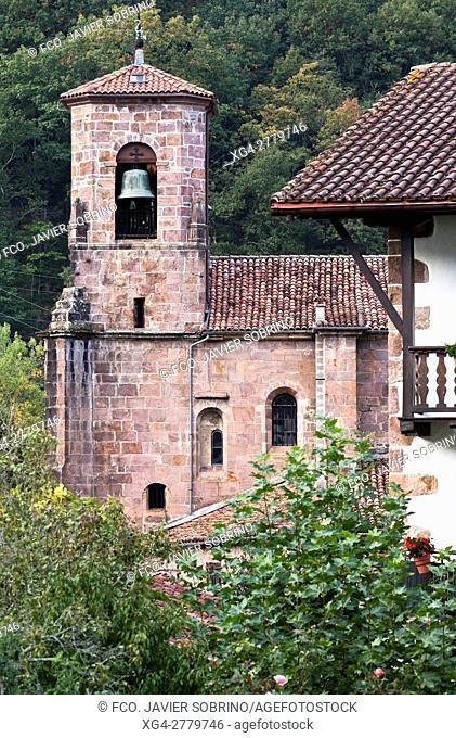 """Iglesia de Nuestra Señora de la Asunción - Etxalar â. """" Baztán - Navarra â. """" Pirineos â. """" España - Europa"""