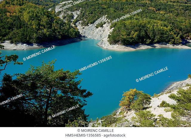 France, Hautes Alpes, Lac de Serre Poncon Bay Moulettes
