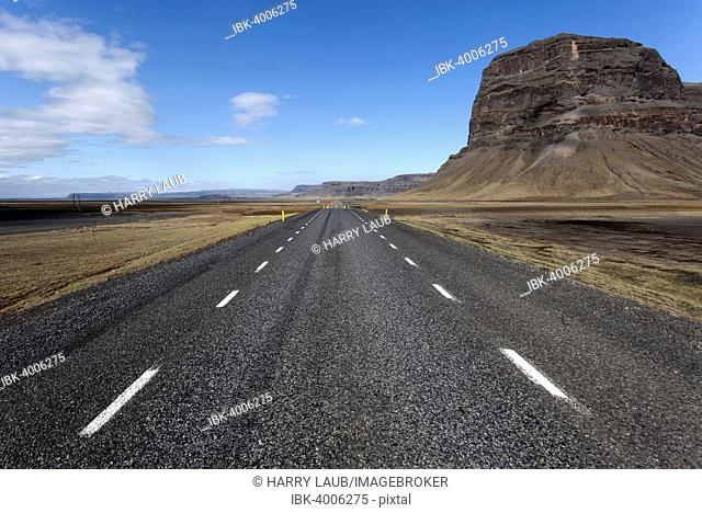 Road no. 1, Ring Road, in the south of Iceland, near Nupsstadur, Iceland