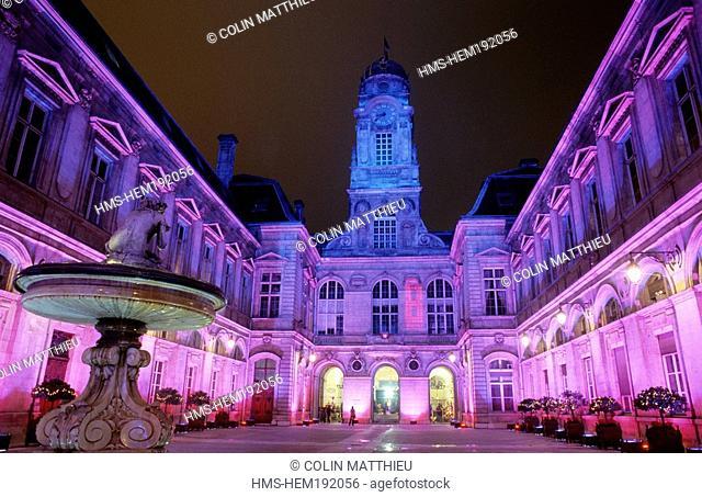 France, Rhone, Lyon, Fete des Lumieres Light festival, Decembre 8th, town hall