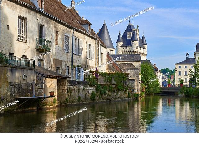 Loches, Castle, Cordeliers gate, Indre River, Indre-et-Loire, Touraine, Pays de la Loire, Loire Valley, UNESCO World Heritage Site, France