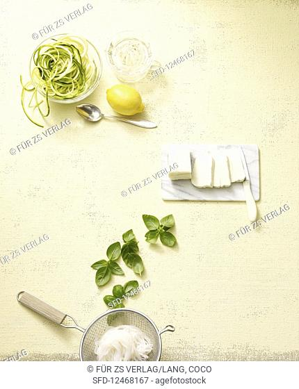 Ingredients for courgette pasta with halloumi (no carb)