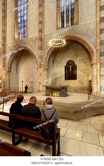 France, Haute Garonne, Toulouse, Jacobin convent, church, Under the altar are preserved St Thomas d'Aquin's relics