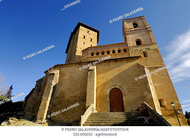 Tower of castle (11th century) and Iglesia de San Martín (16th century). Biel. Las Cinco Villas. Zaragoza. Aragon. Spain