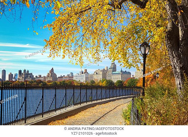 Jacqueline Kennedy Onassis Reservoir Jogging Track in Autumn, New York, USA