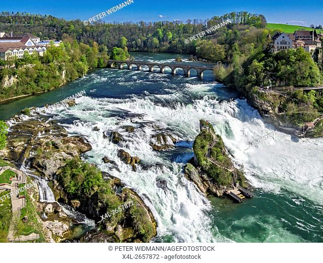 Rhine Falls with Laufen Castle, at Schaffhausen, Canton of Schaffhausen, Switzerland, Europe