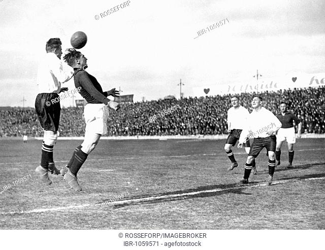 Historic photograph, soccer game, around 1920