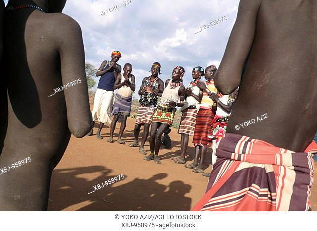 ethiopia, omo valley, turmi, hamer tribe
