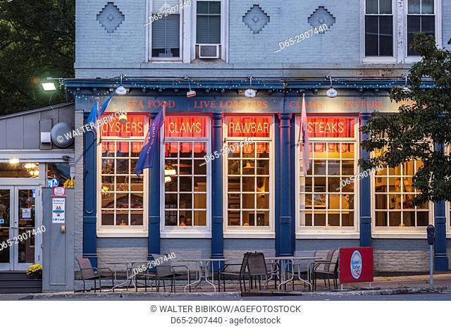 USA, New York, Hudson Valley, Kingston, Rondout Historic District, seafood restaurant, dusk
