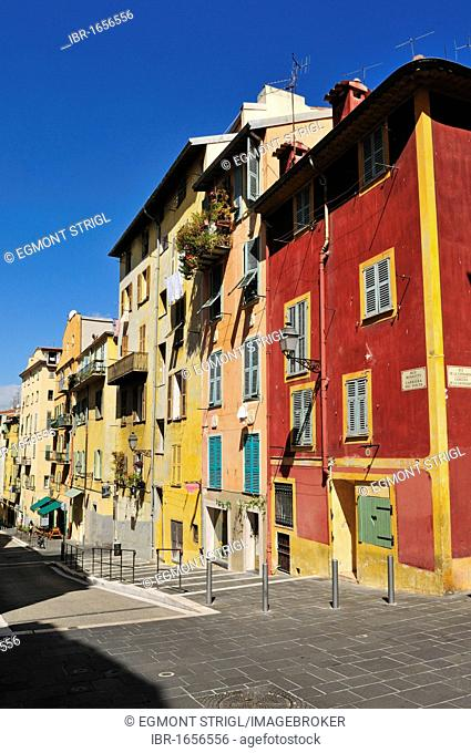 Colorful houses in the old town of Nice, Department Alpes-Maritimes, Region Provence-Alpes-Côte d'Azur, France, Europe