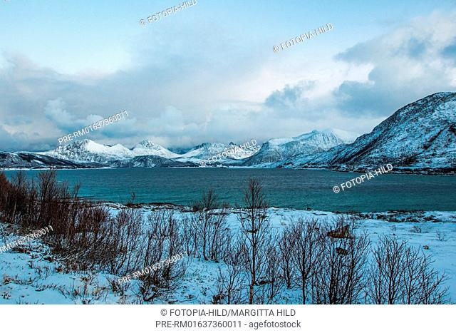 Look on Sandvika sound, Troms Fylke, Norway / Blick auf Meerenge Sandvika, Troms Fylke, Norwegen