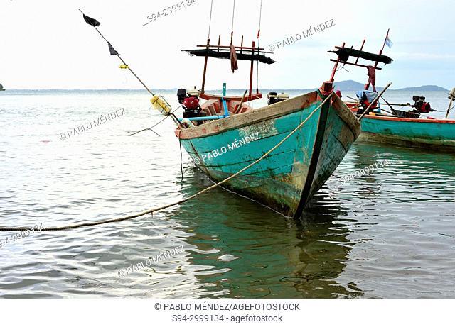 Boats in the coast of Koh Tonsay island (Rabbit island), Kep, Cambodia