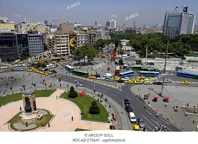 Republic Monument, Taksim Square, Beyoglu, Istanbul, Turkey / Cumhuriyet Aniti