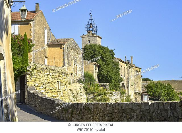 old village of the Provence, Ménerbes situated on a hill, France, member of most beautiful villages of France, department Vaucluse, Luberon mountains