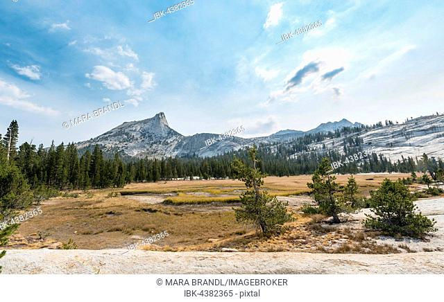 Cathedral Peak, Sierra Nevada, Yosemite National Park, California, USA