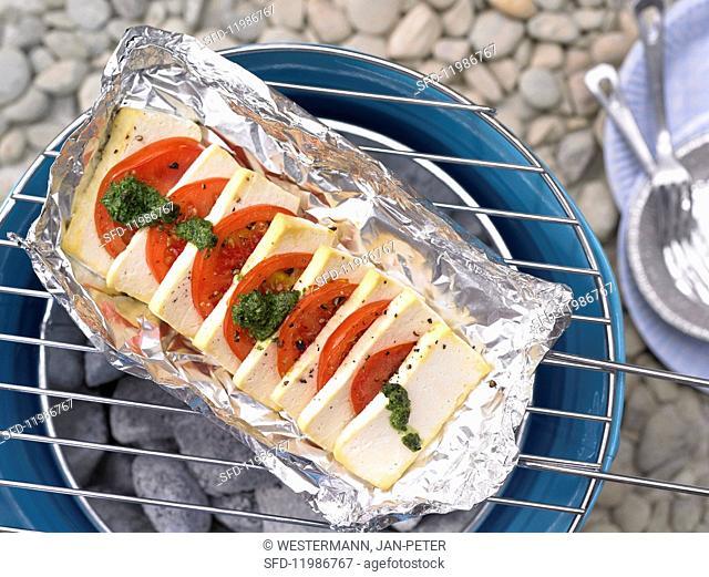 Tofu & tomato with wild garlic pesto