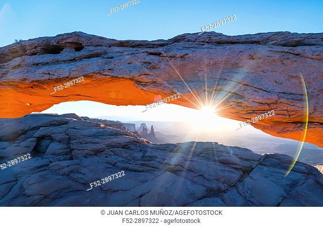 Sunrise in Mesa Arch, Canyonlands National Park, Utah, USA
