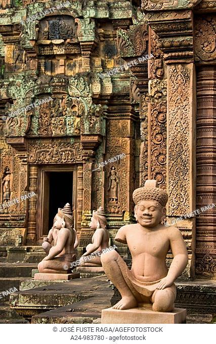 Cambodia-No  2009 Siem Reap City Angkor Temples W H  Banteay Srei Temple Inner enclousure