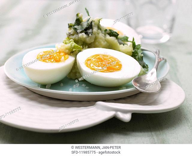 Dandelion leaf & potato purée with eggs