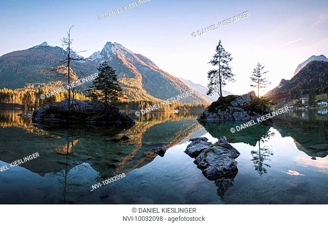 Hintersee with Hochkalter mountain, Hintersee, Berchtesgaden, Bavaria, Germany