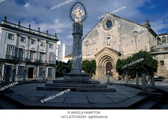 Plaza del la Asuncion. Square. Church. House. Statue,pillar