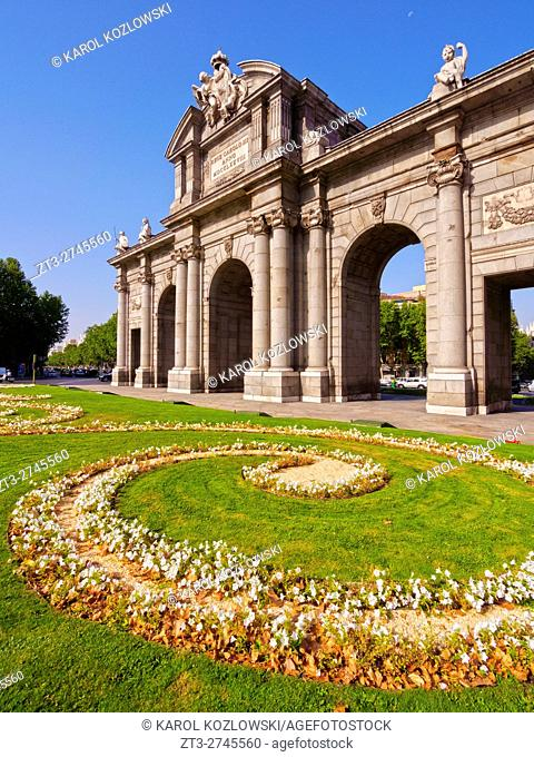 Spain, Madrid, Plaza de la Independencia, View of the Neo-classical triumphal Archway The Puerta de Alcala.