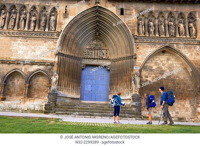 Pilgrims, Church of Santo Sepulcro, Holy Sepulchre Church, Estella, Navarra, Way Of St. James, Navarre, Way to Santiago, Spain