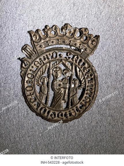 religion, christianity, pilgramage, pilgrim's badge, Madonna with Child, tin alloy, Loreto, 14th century, private collection, pilgrim, pilgrims, Virgin Mary
