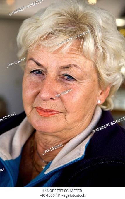 Older woman smiling. - 12/09/2008
