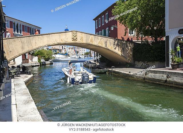 Lagoon town Port Griamud, Var, Provence-Alpes-Cote d`Azur, France, Europe