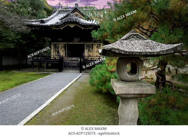 Toro, stone lantern, Ishi-doro, in front of Konchi-in, historic Japanese temple, of Nanzen-ji temple complex in Sakyo-ku, Kyoto, Japan 2017