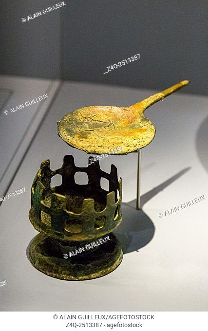 """Photo taken during the opening visit of the exhibition """"""""Osiris, Egypt's Sunken Mysteries"""""""". Egypt, Alexandria, Maritime Museum, incense burner and spoon"""