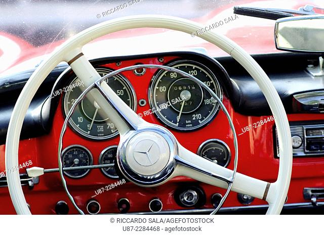 Italy, Lombardy, Meeting of Vintage Car, Mercedes 190 SL, Close up of Steering Wheel