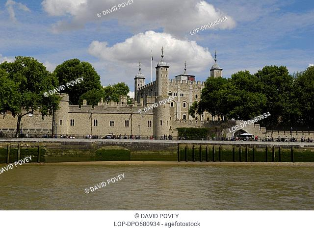 England, London, Tower of London, The Tower of London viewed from a boat on the River Thames