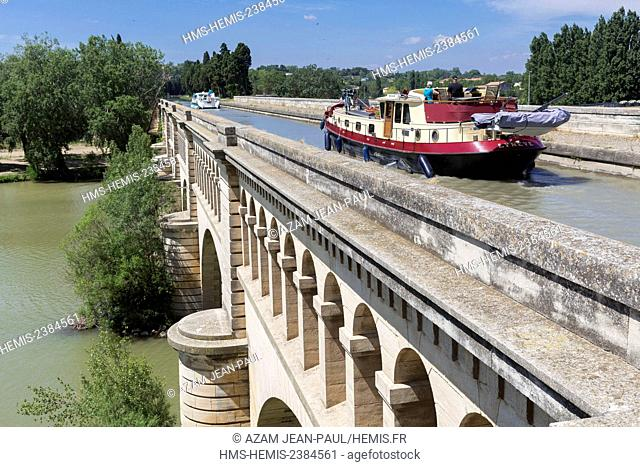 France, Herault, Beziers, the Canal du Midi, listed as World Heritage by UNESCO, the canal bridge over the Orb river